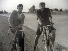 Анатолий Собчак с другом и коллегой Виталием Сороковых. Невинномысск, 1961 г.