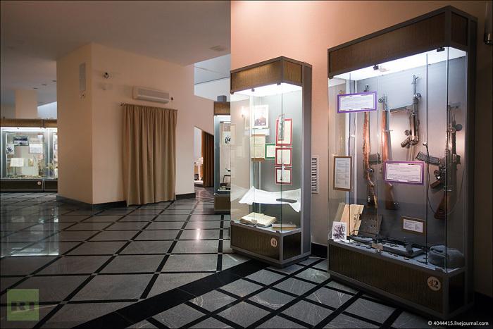 Mikhail Kalashnikov museum: Kalashnikov museum tour