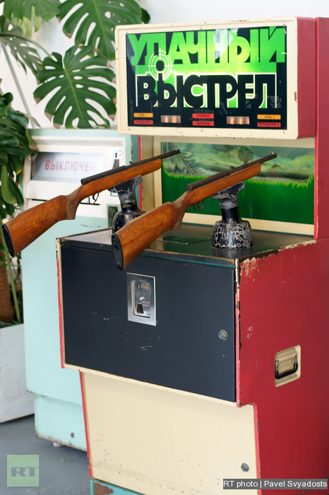 """Museum of Soviet gaming machines: """"A Lucky Shot"""". A shooter with practically real rifles!"""