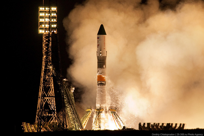 Road trip: Baikonur, launch of the Soyuz rocket: At 23:15 local time on April 28, the Soyuz-U space rocket took off successfully, carrying a Progress-M cargo spaceship.