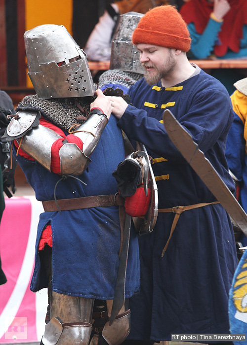 The fabric part of the warriors' costumes only lasts one fighting day.
