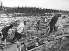 Репрессированные на строительстве Беломорканала.