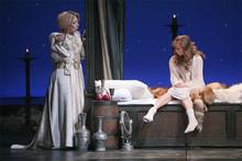 В спектакле  Аквитанская львица  в роли Алиеноры Аквитанской, королевы, жены Генриха II (Photo from http://www.lenkom.ru)