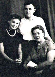Lyudmila Gurchenko with parents