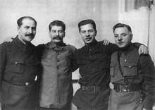 Л.М. Каганович, И.В. Сталин, П.П. Постышев, К.Е.Ворошилов. Январь 1934 года