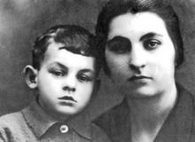 Bulat Okudzhava with his mother
