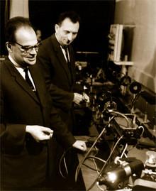 А.М. Прохоров и Н. Г. Басов в лаборатории ФИАН.