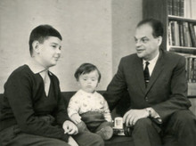 Н.Г.Басов у себя дома с сыновьями Геннадием и Дмитрием д.с. 31.10.1964 г